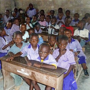 Class in Ghana - Giving the  the poorest children the opportunity to go to school.