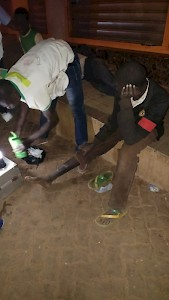 Burkina Faso - Medical care: treating the wounds of streetchildren in the streets of Ouagadougou by the partner organization
