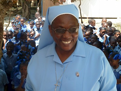 HaÏti - Catholic Sisters taking care of ophans.
