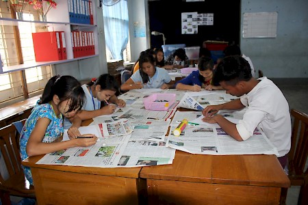 Myanmar, Yangon - E4Y - Orientation Level - Girls and boys playfully acquire skills