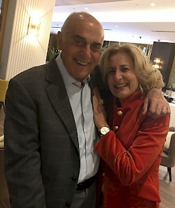 Bahrain 2017 - Sonja Dinner with the great Palestinian Statesman Munib al Masri