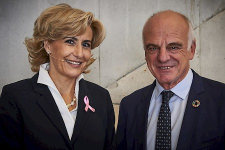 Zurich, Switzerland - Speaker Dr. David Nabarro, former long-term WHO and UN advisor with Sonja Dinner on the occasion of the launch of the film and App DEARMamma, breast cancer awarness.